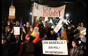proteste-Piata-Universitatii-300x192