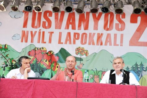 Orban-Basescu-Tokes-Tusnad-2010