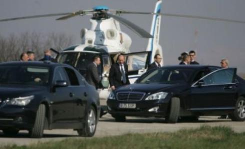 basescu-a-fugit-cu-elicopterul-in-secuime-sa-petreaca-revelionul-18439471