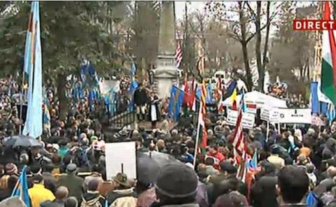 a-inceput-marsul-secuilor-pentru-autonomie-circa-3-000-de-oameni-sunt-prezenti-la-manifestatie-197348