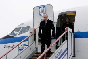 Traian-Băsescu-avion-310x207