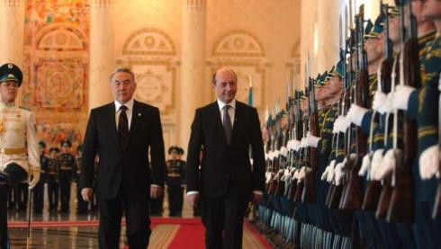 basescu-arunca-in-aer-relatia-cu-kazahstanul-respingerea-memorandumului-dintre-guvern-si-kaz-munai-gaz-anuleaza-rezultatele-vizitei-lui-ponta-la-astana-18456440