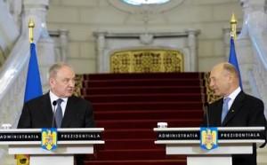 Nicolae-Timofti-si-Traian-Basescu-la-Cotroceni-300x186