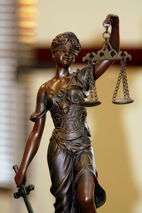 themis-zeita-justitiei-ghimpele