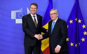 Klaus Iohannis si Jean Claude Juncker, salutul masonic