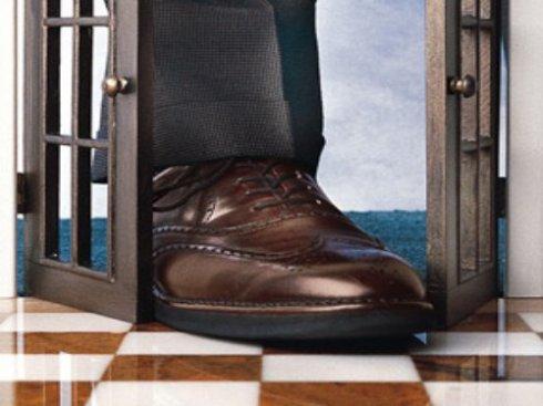 foot-in-door1-Terry-L-Hansen