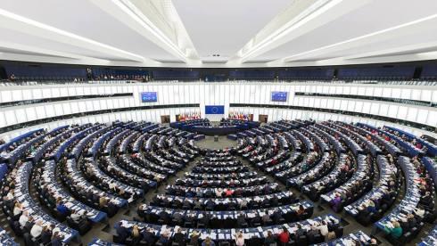 Parlamentul European are 3 sedii, la Luxemburg, Bruxeles si Strasbourg, Franta (in poza). Photo Wikipedia