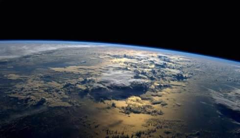 nasa-foto-radiomagnetic-field-above-earth