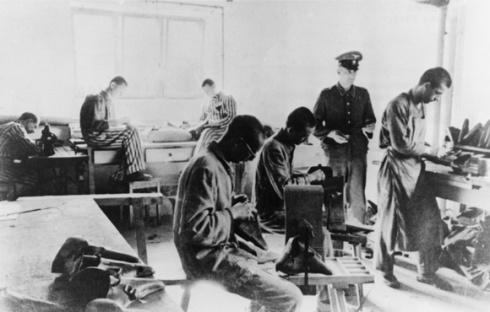 Motiv 1 von 7Aufnahmedatum: 1943Systematik: Geschichte / Deutschland / 20. Jh. / NS-Zeit / Rassenpolitik / Juden / Vernichtung / Konzentrations- und Vernichtungslager / Zwangsarbeit / Rüstungsindustrie