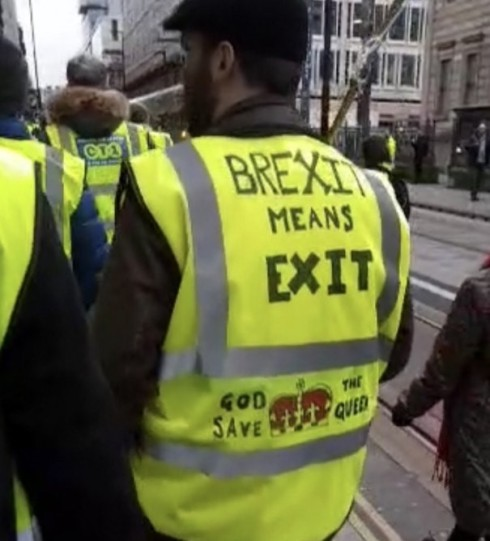 brexit-means-exit-yellow-vest-in-uk