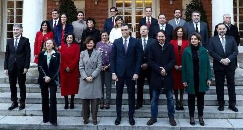 Pedro-Sánchez-y-los-22-miembros-de-su-Gobierno